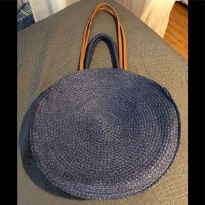 New round handbag